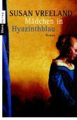 Das Mädchen in Hyazinthblau