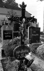 Ein Skelett auf Abwegen (Friedhofsnovelle)