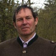 Dinesh Bauer