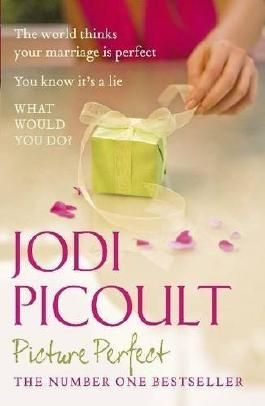 Picture Perfect by Picoult, Jodi (2010) Paperback
